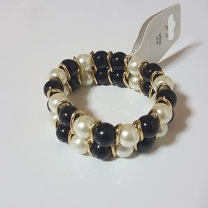 Black & White Pearl Bead Bracelet